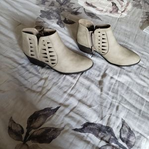 Taupe colored booties size 7